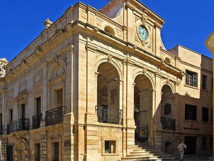 Das Rathaus von Maó