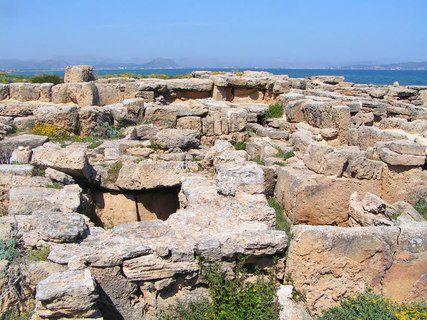 Yacimientos arqueológicos de Son Real