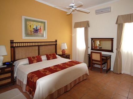Sea Breeze Beach Hotel & Vacation Club