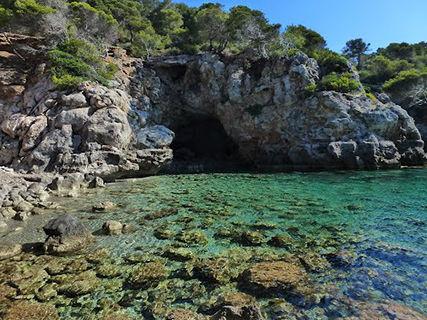 La Cova des Vell Marí