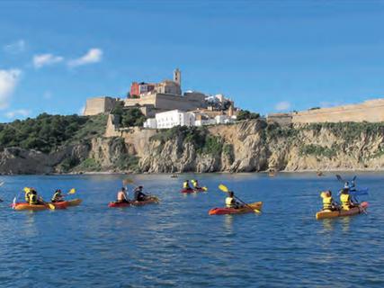 Excursiones en kayak gratuitas para conocer la posidonia