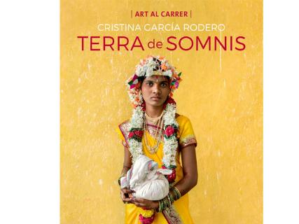 Terra de somnis, the images of Cristina García Rodero in Ibiza