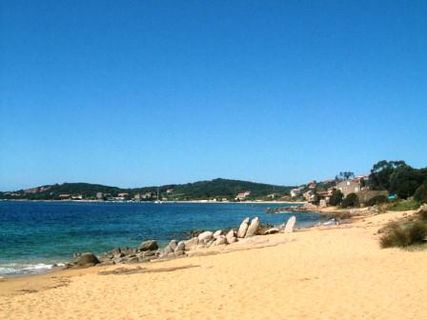 porto pollo beach in ajaccio and nearby france with ratings reviews friendly corsica travel. Black Bedroom Furniture Sets. Home Design Ideas