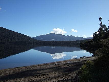 Lake Paringa DOC Campsite