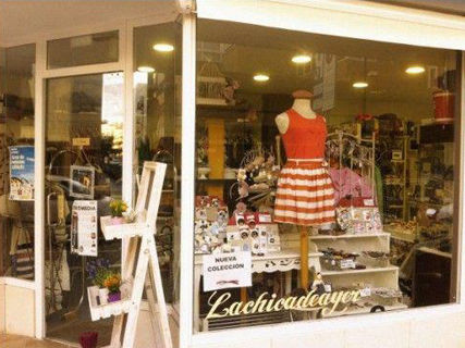 Lachicadeayer Ibiza