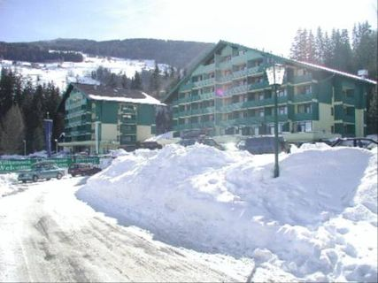 Alpine Club Apartments