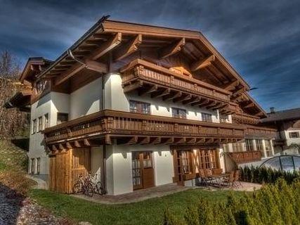 Select Apartment by Kaprun Rentals