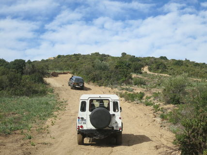 HIKING IN 4 X 4 WITH DRIVER