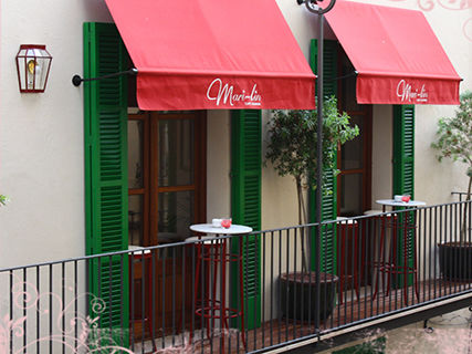 Mari-lin Café Lounge