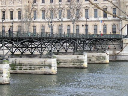 Pont des arts in paris france with ratings reviews mtrip travel guides - Pont des arts hong kong ...