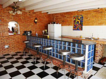 Bars Aruba strip