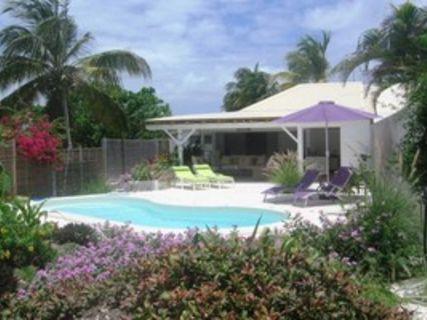 Villa ACAJOU : 4 personnes en bord de plage