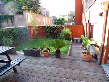2 BR City Centre - Private Patio + Garden