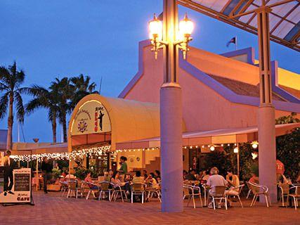 Café De Plaza