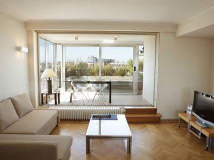 Moliere Halldis Apartment