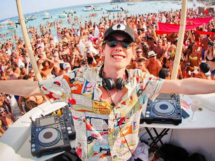 Sea Lounge Beach Club