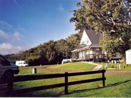 Waipu Cove Cottages & Camping