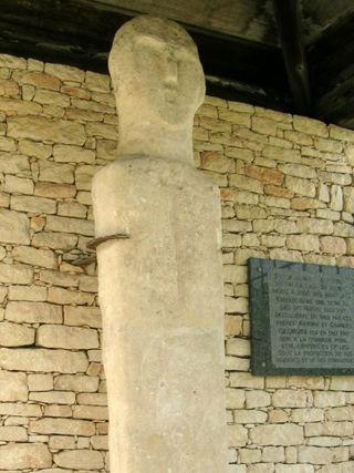 Nativu, une statue menhir