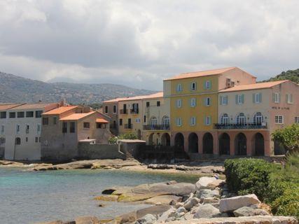 Hôtel de la plage Santa Vittoria**