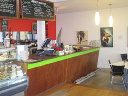Umu Restaurant & Café