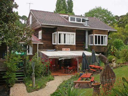 Eggsentric Café & Restaurant
