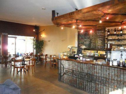 Ironique Café & Bar