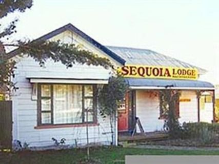 Sequoia Lodge & Backpackers