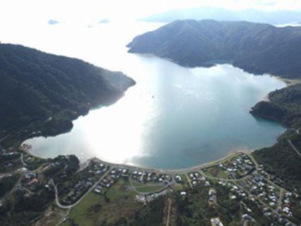 Okiwi Bay Holiday Park & Lodge