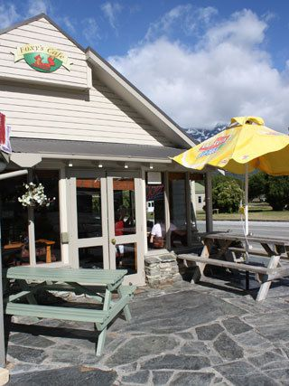 Foxy's Café