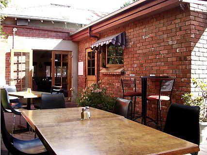 Red Brick Café