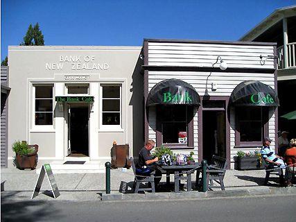 The Bank Café