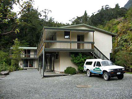 Deep Cove Hostel