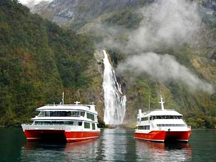 Red Boat Cruises