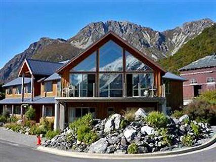 Aoraki/ Mt Cook Alpine Lodge